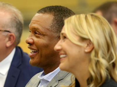 New Orleans Pelicans pick up option on Alvin Gentry's contract
