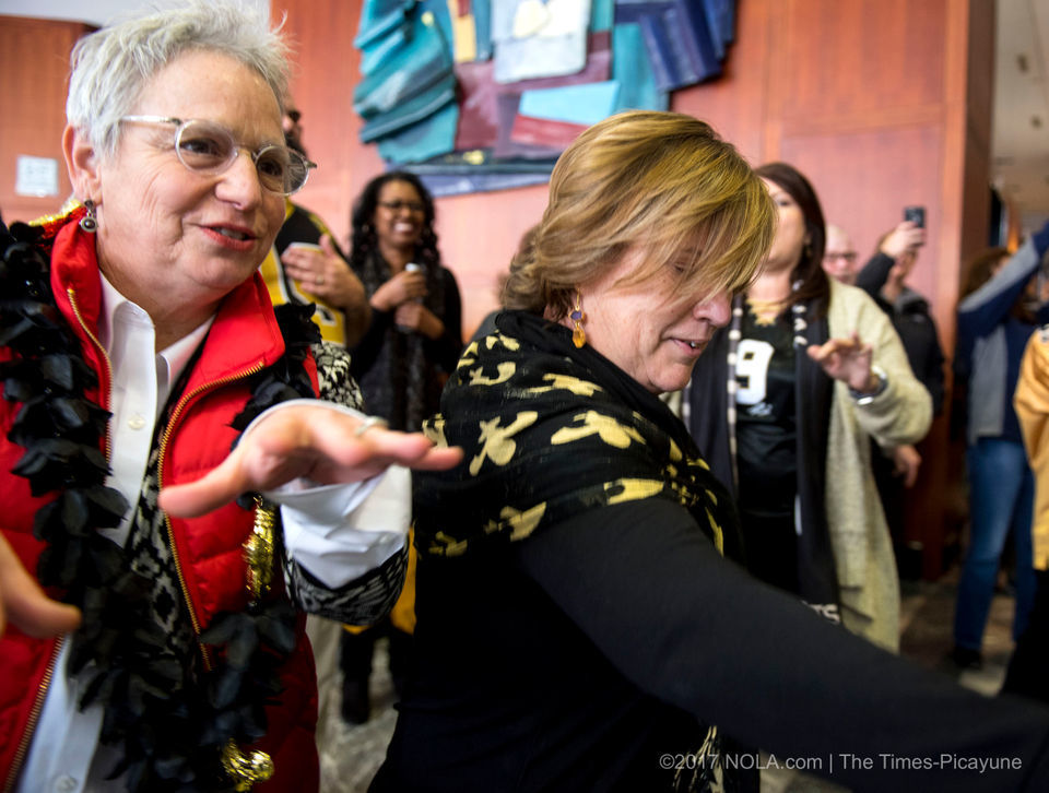 New orleanians 39 do the sean payton 39 in downtown dance - Downtown at the gardens movie times ...