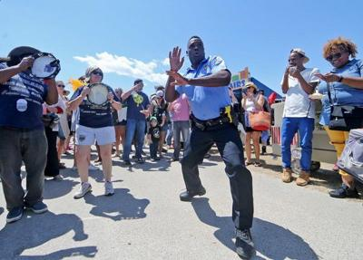 Watch dancing cop 2018: Officer gets down at Zulu in 2 videos