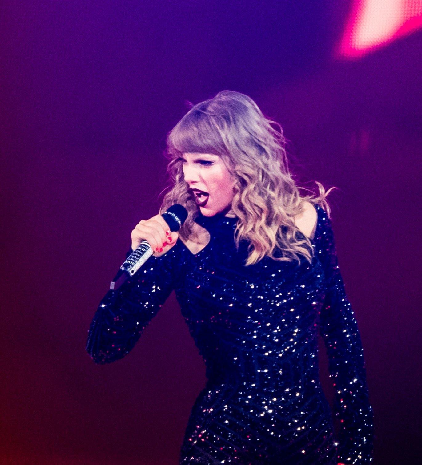 Spera Taylor Swift Dazzles Full Superdome With Breath Taking Reputation Tour Keith Spera Nola Com