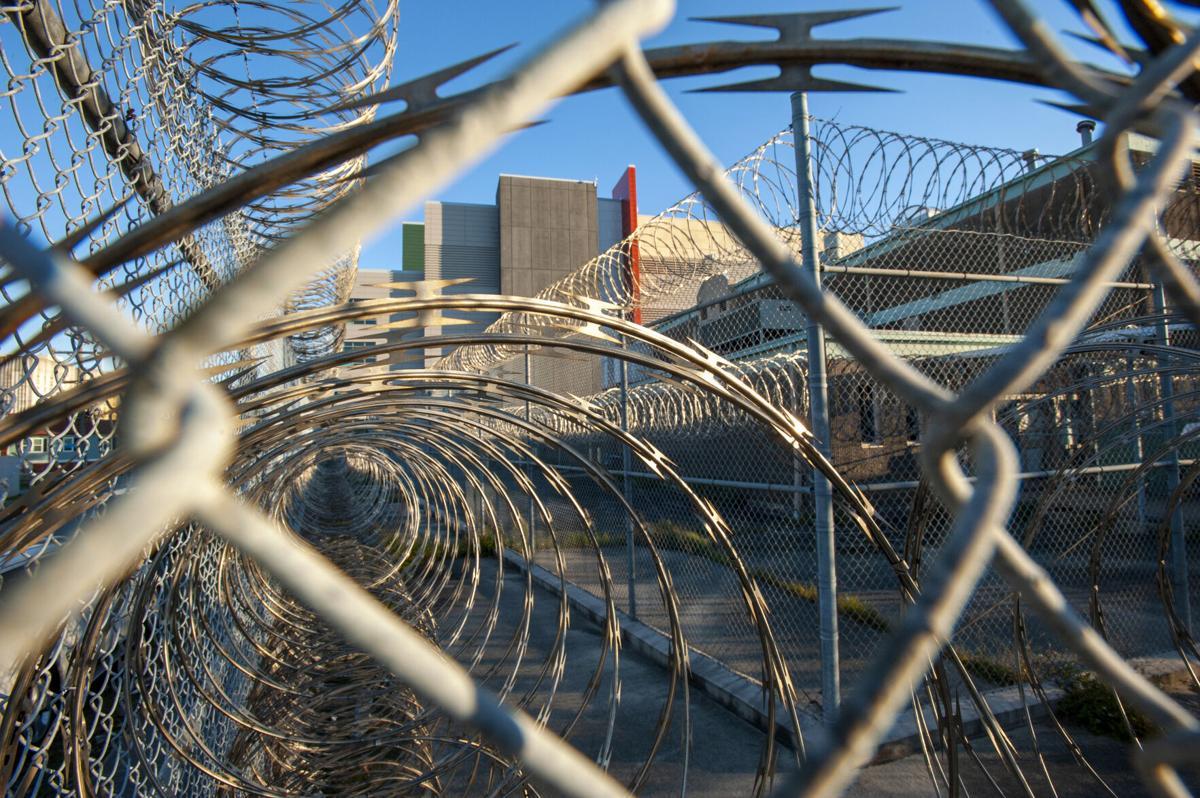 NO.jail.120820_2.JPG