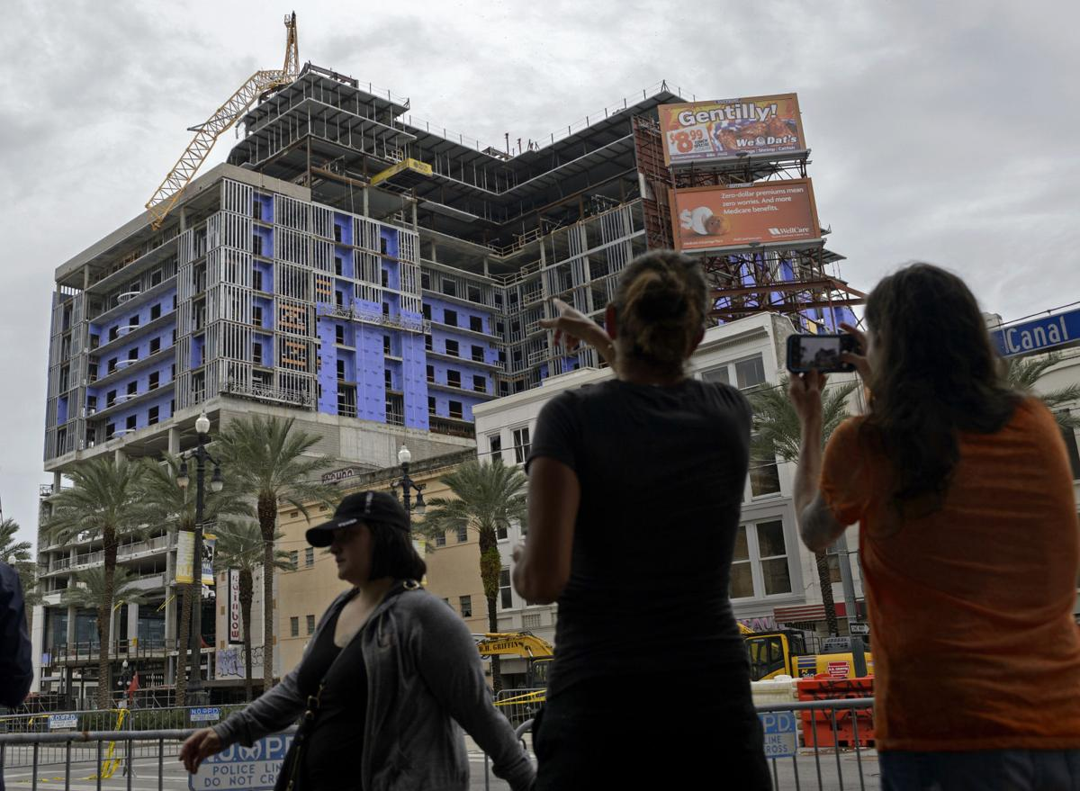 Hard Rock Collapse Photo Showing Worker S Remains Sparks Broad