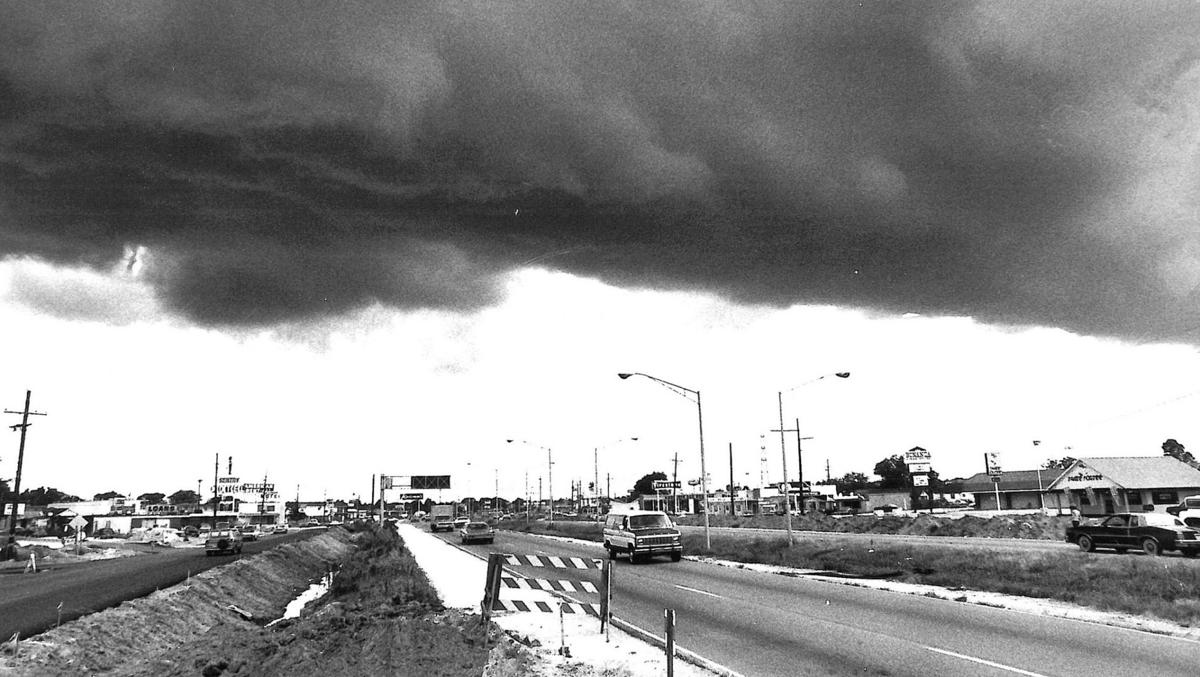 #throwbackthursday: When Veterans Memorial Boulevard was nothing but trees, and more New Orleans street scenes