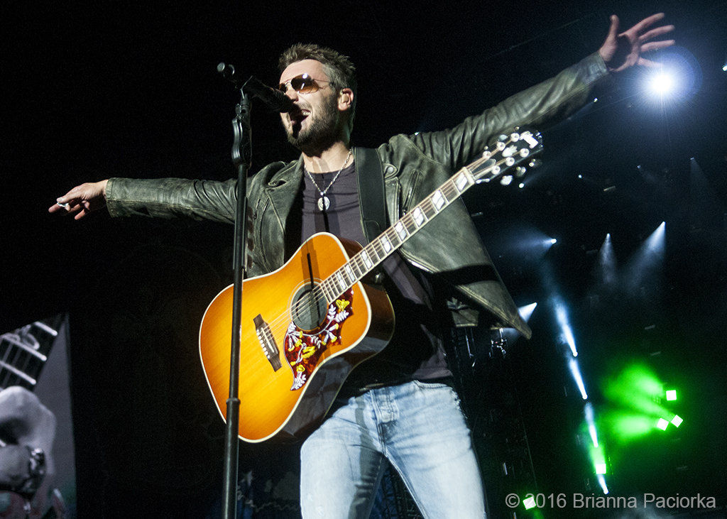 Eric Church all swagger and smiles, Darius Rucker thanks Les Miles at Bayou Country Superfest