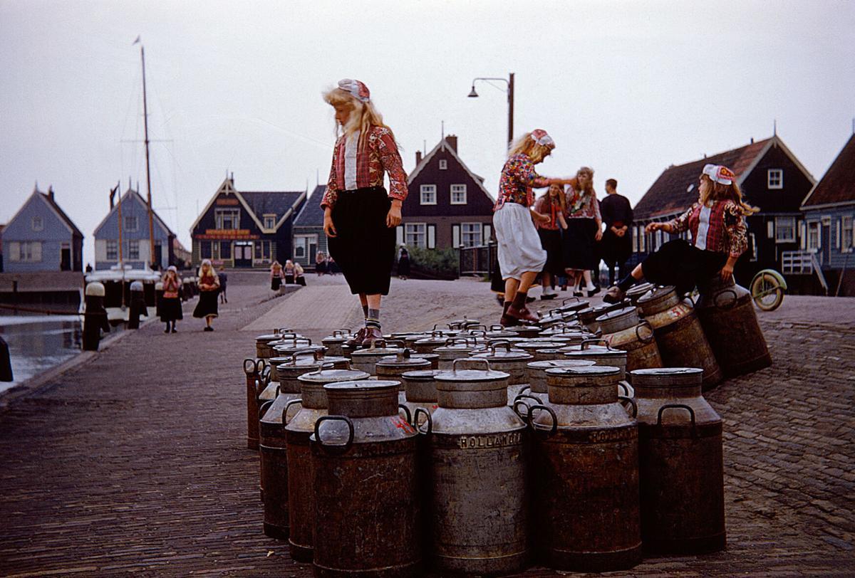 01-Girls on Barrels-Edit-sRGB.jpg