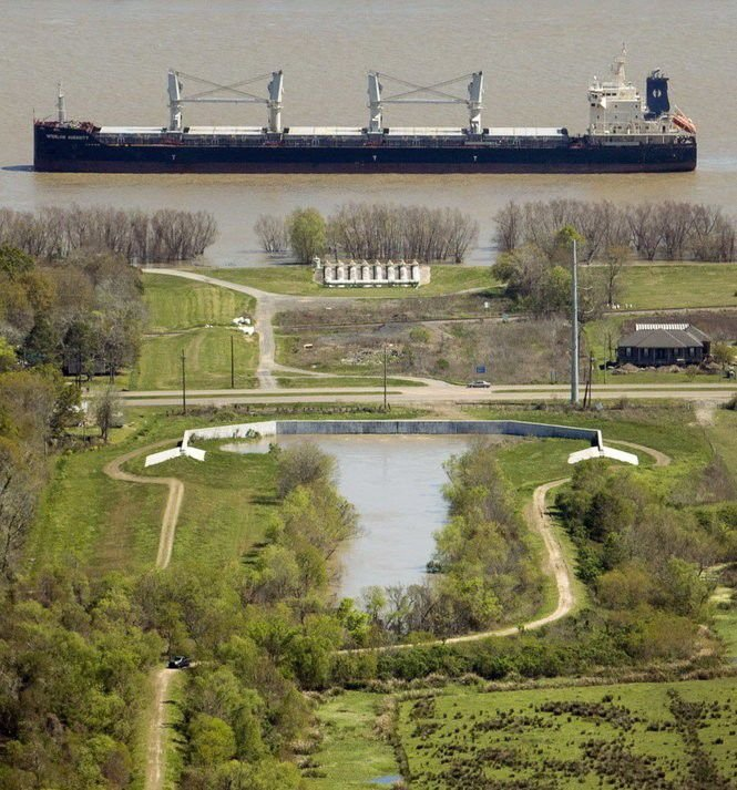 11 things to know as Mississippi River hits flood stage in