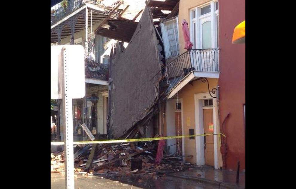 200-plus-year-old Royal Street building crumbles in New Orleans _lowres