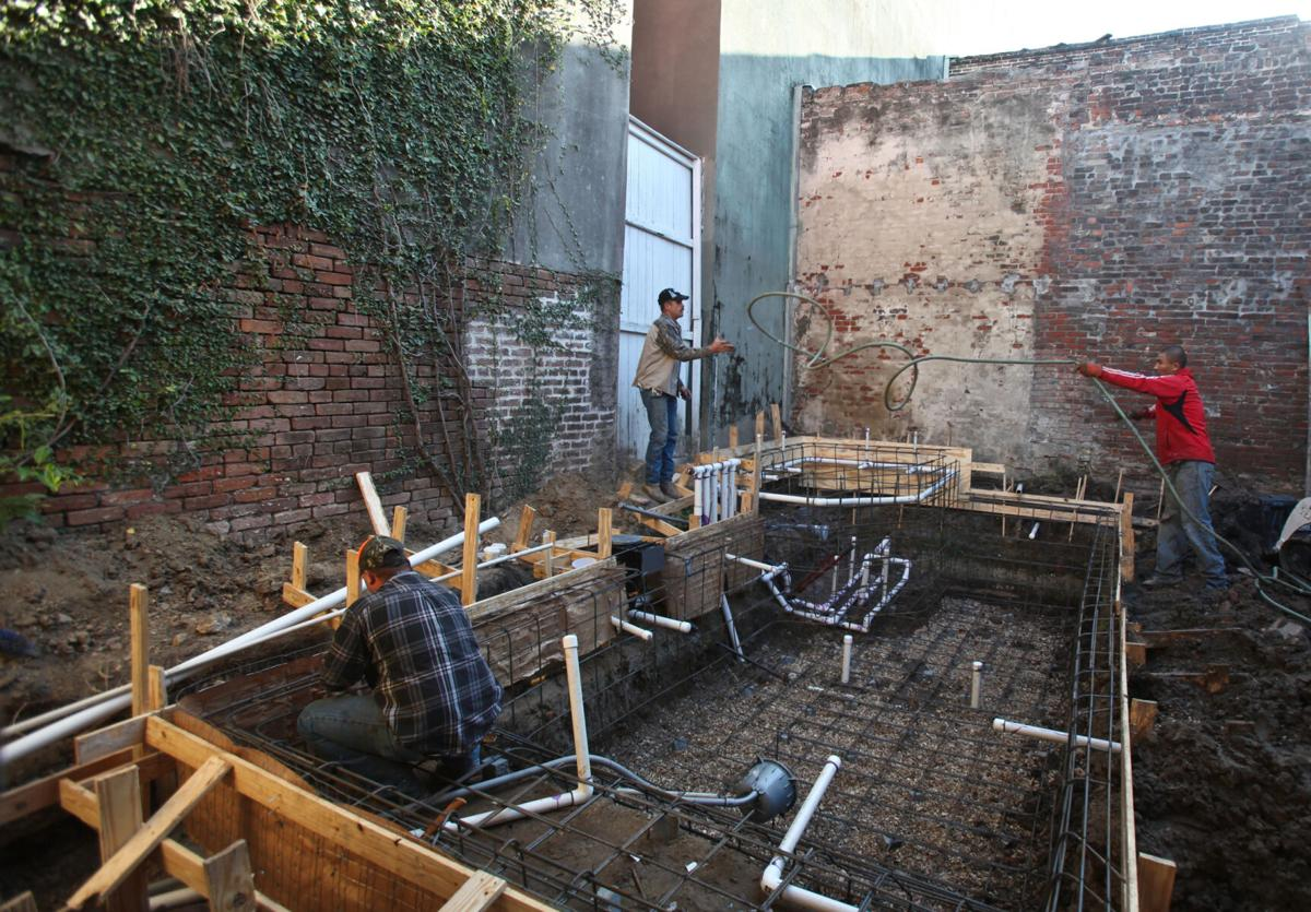 Old graves found while digging French Quarter pool