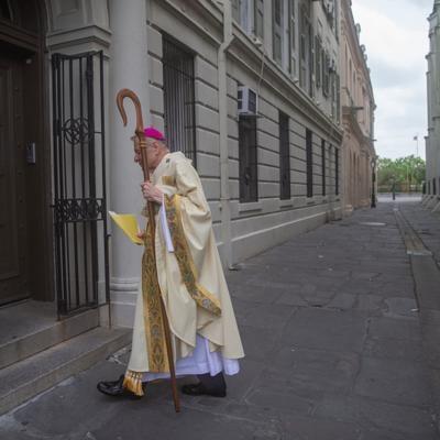 NO.archbishopblessing.0538.jpg