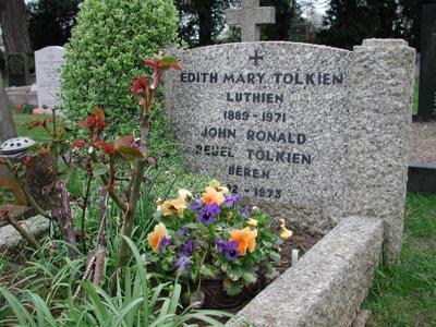 Tolkien gravestone