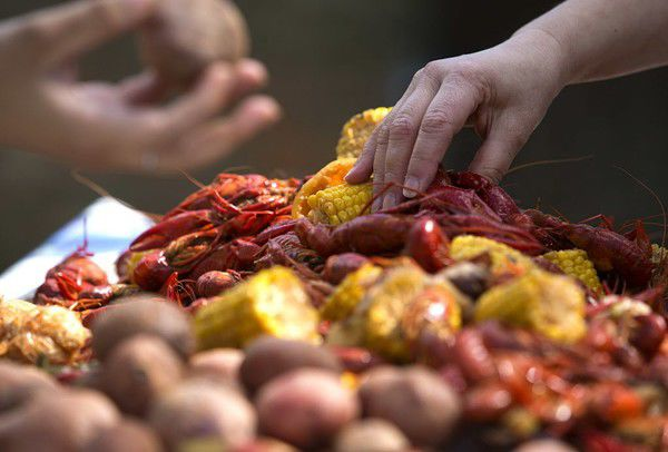 How to boil crawfish: A first-timer's recipe, process