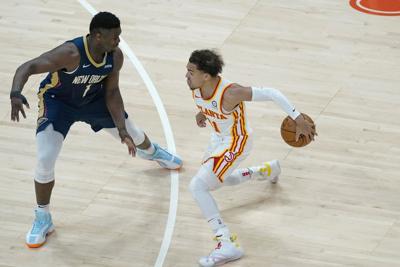Pelicans Hawks Basketball