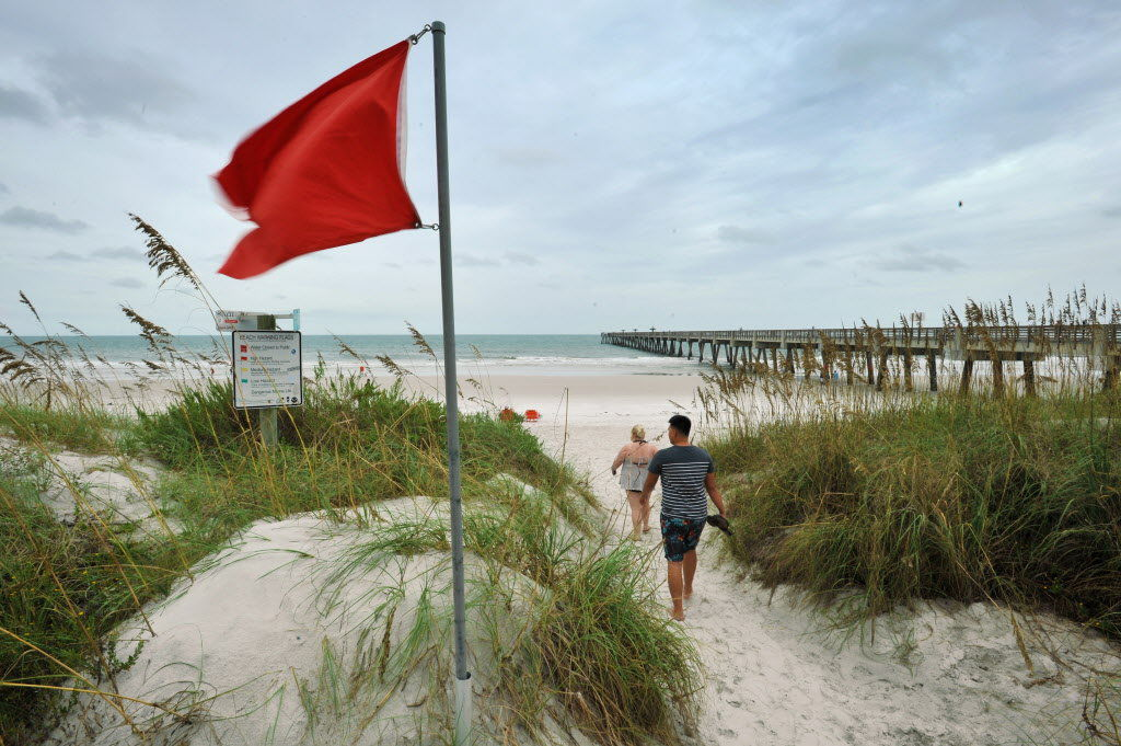 Hurricane Hermine's outer winds begin hitting Florida, flooding expected