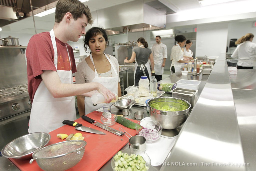 Prominent chefs lend a hand for Goldring Center benefit