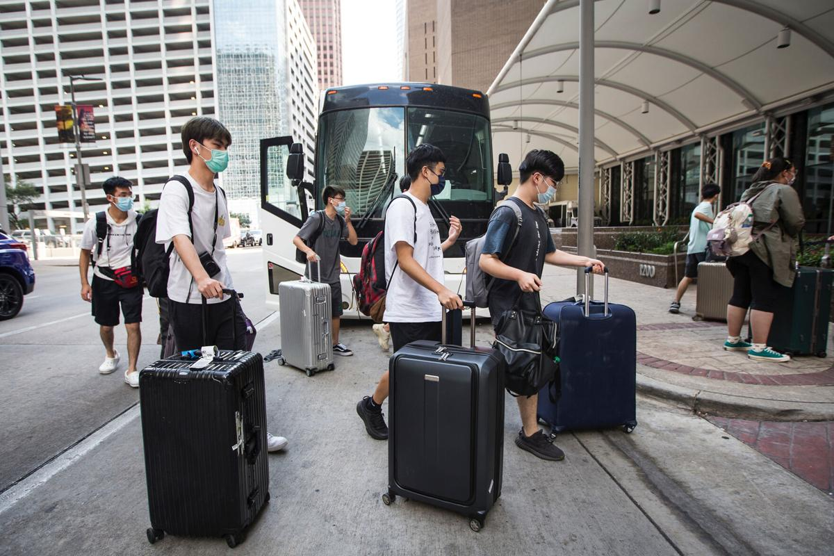 Tulane students arrive in Houston after Hurricane Ida