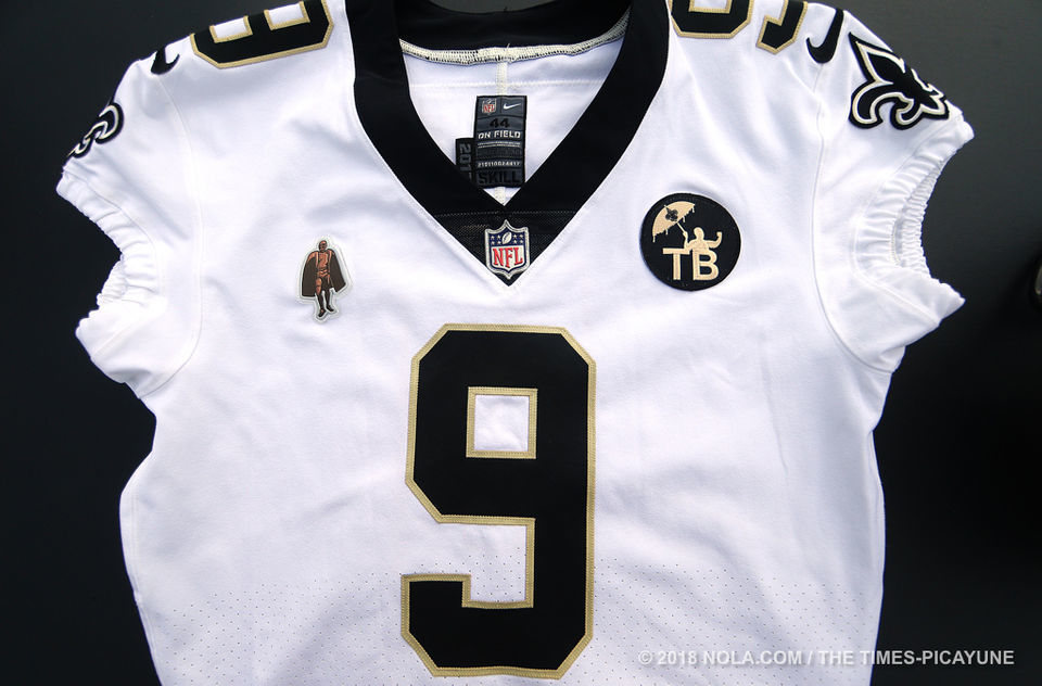 hot sale online 8ca43 68ef2 Saints unveil Tom Benson jersey patch for 2018 season ...