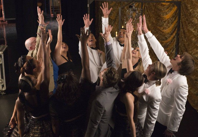Glee' Season 5, Episode 11: 'City of Angels' is touching