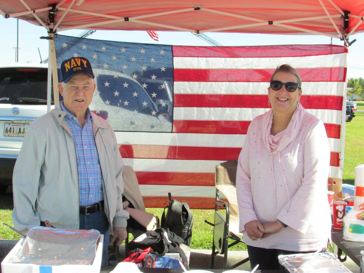 Metairie Elks Veterans Day serve food.jpg