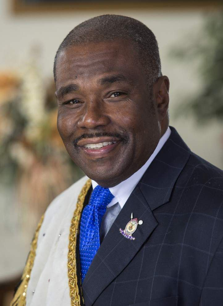For Zulu King Jay Banks, a reign that focuses on service _lowres