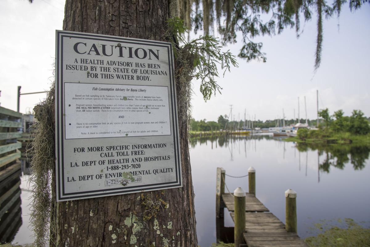 Fishing advisory sign