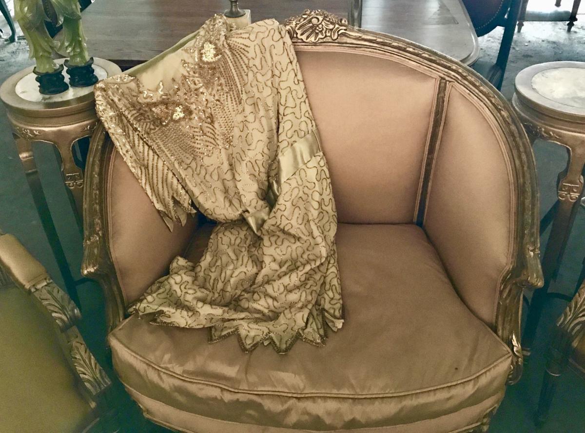 Set In 1939 Al Capone Film Fonzo Sells Off Set Furniture