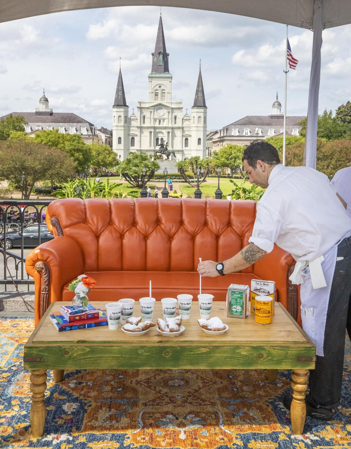 Super Iconic Friends Couch Visits Jackson Square Fans Can Have Ibusinesslaw Wood Chair Design Ideas Ibusinesslaworg