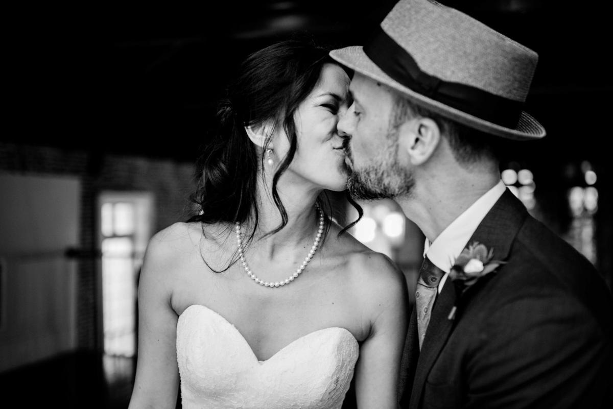 FrankRomywedding.kiss.jpg