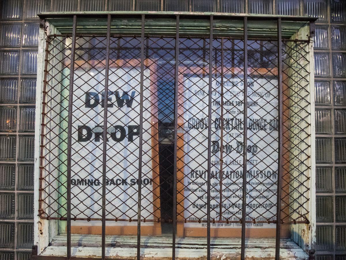 NO.dewdrop.02.JPG
