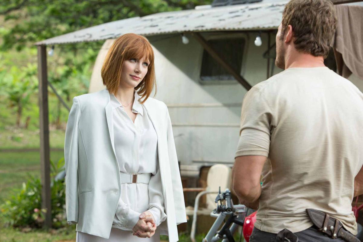 'Jurassic World' vs. 'Star Wars: The Force Awakens': Which trailer do you like better?