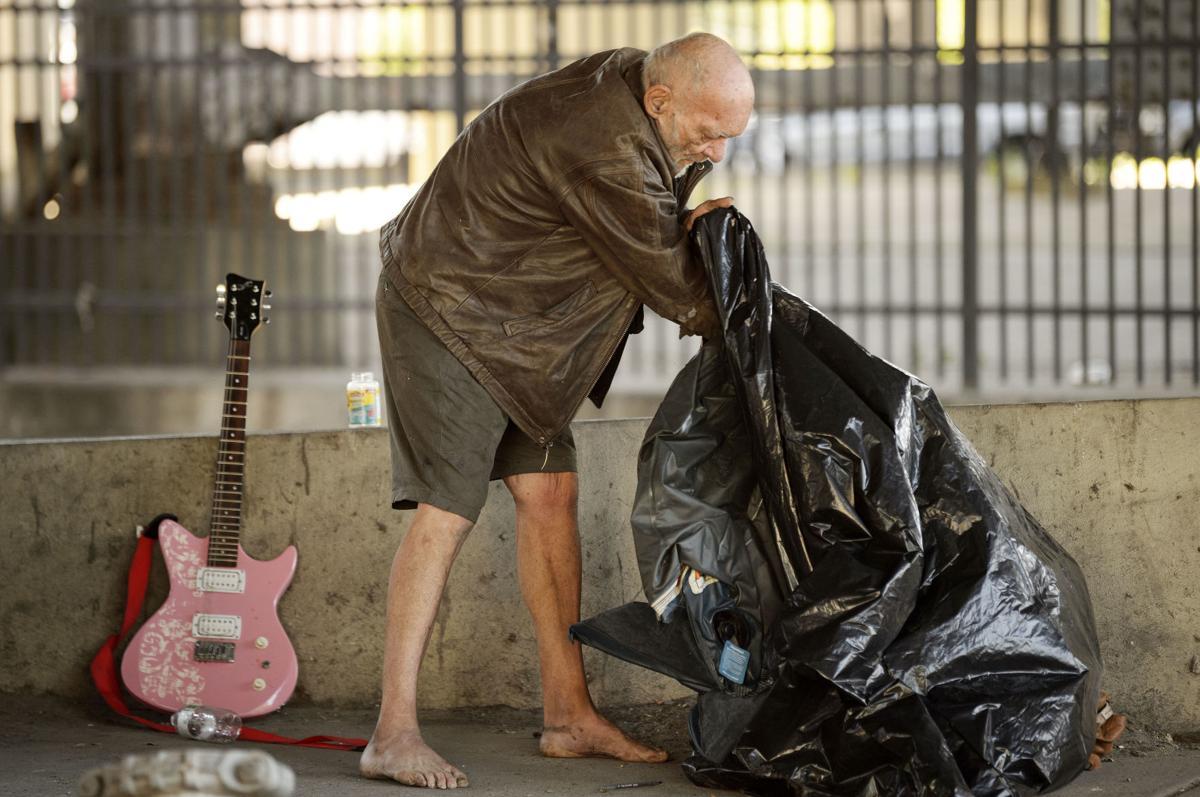 NO.homelessmove.050720.006.JPG