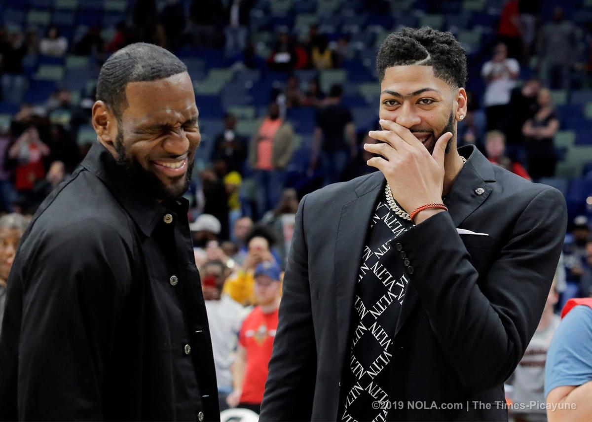 Anthony Davis traded to the Los Angeles Lakers for 3 players, multiple picks