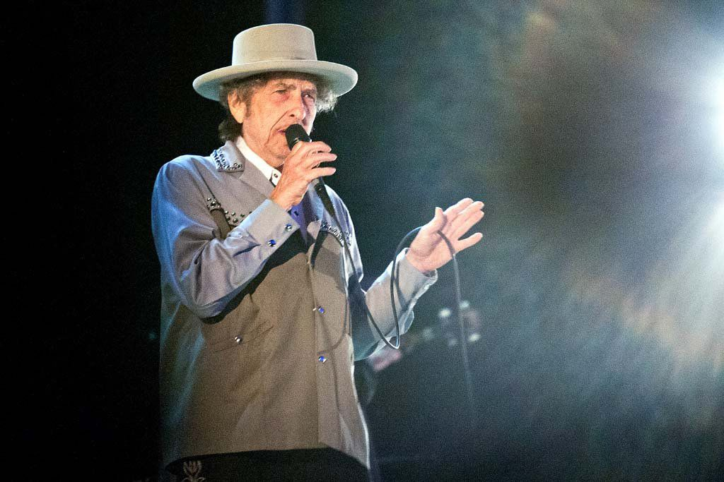 Bob Dylan brought warmth, darkness, blues and swing to the Saenger Theater in New Orleans