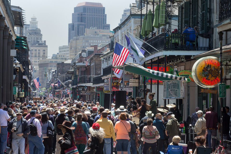 See which New Orleans hotels and restaurants employ the most people
