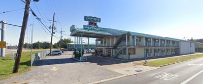 Evergreen Plaza Inn