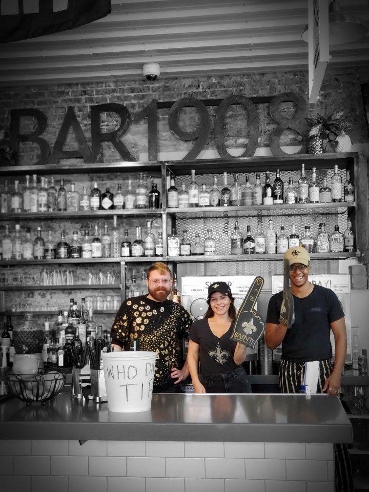 Bar 1908 staff.jpg
