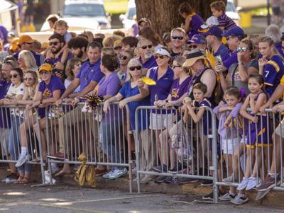 LSU fans await game
