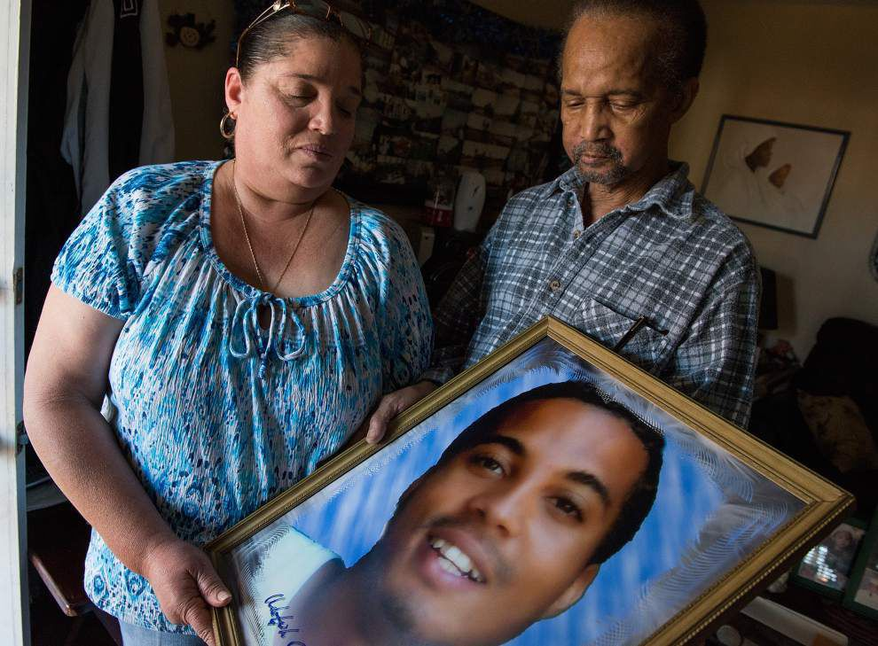 Feds decline civil rights charges in '09 fatal police shooting _lowres