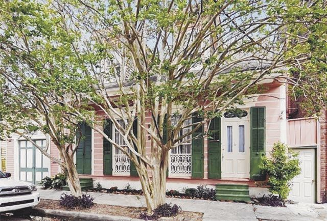 909 Touro St. in the Faubourg Marigny Triangle