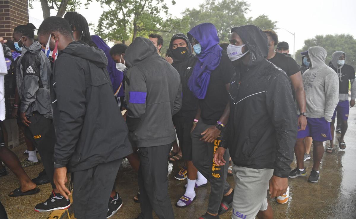 BR.lsufootballprotest.082920 HS 059.JPG