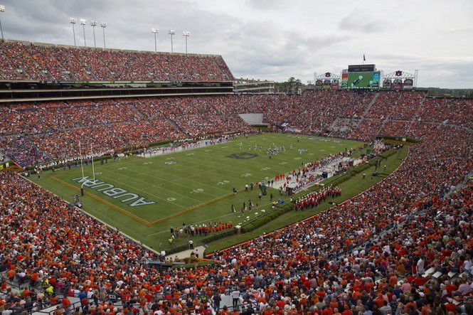 If Katrina killed his kid brothers, how could Auburn football matter? Rumors, truth and Abramson's Alonzo Horton's search for peace