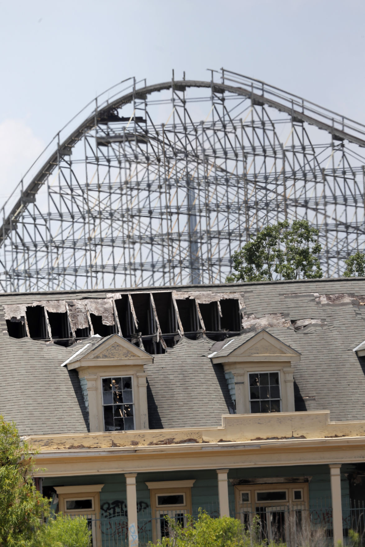 Six Flags New Orleans Leftover Rides Reminders Of Katrina S Damage Might Be Up For Demolition News Nola Com
