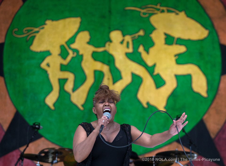 Anita Baker 'gives the best she's got' at Jazz Fest 2018 | Louisiana