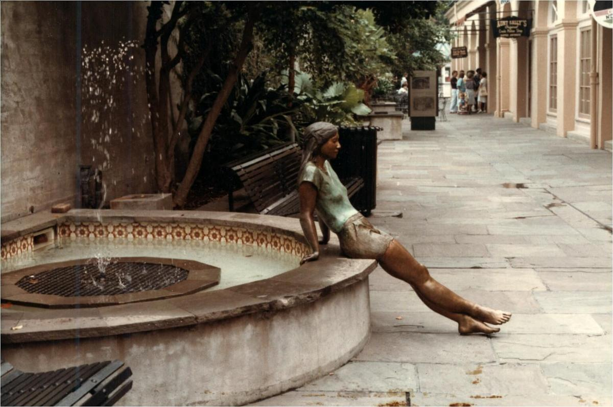 Paul Perret's sculpture 'Michelle' in 1985 (Photo by Paul Perret III, courtesy Paul Perret).jpg