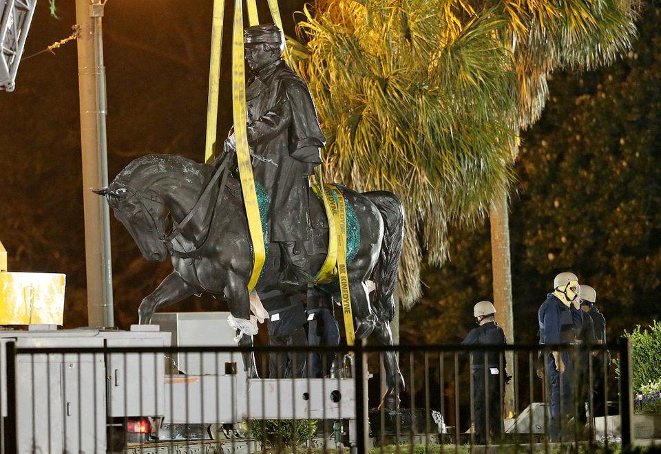 Cantrell reignites Confederate monuments battle, critics attack lack of transparency