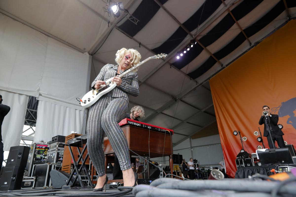 Samantha Fish Plugs Into New Partnership With New Orleans Cigar Box Guitar Festival Keith Spera Nola Com
