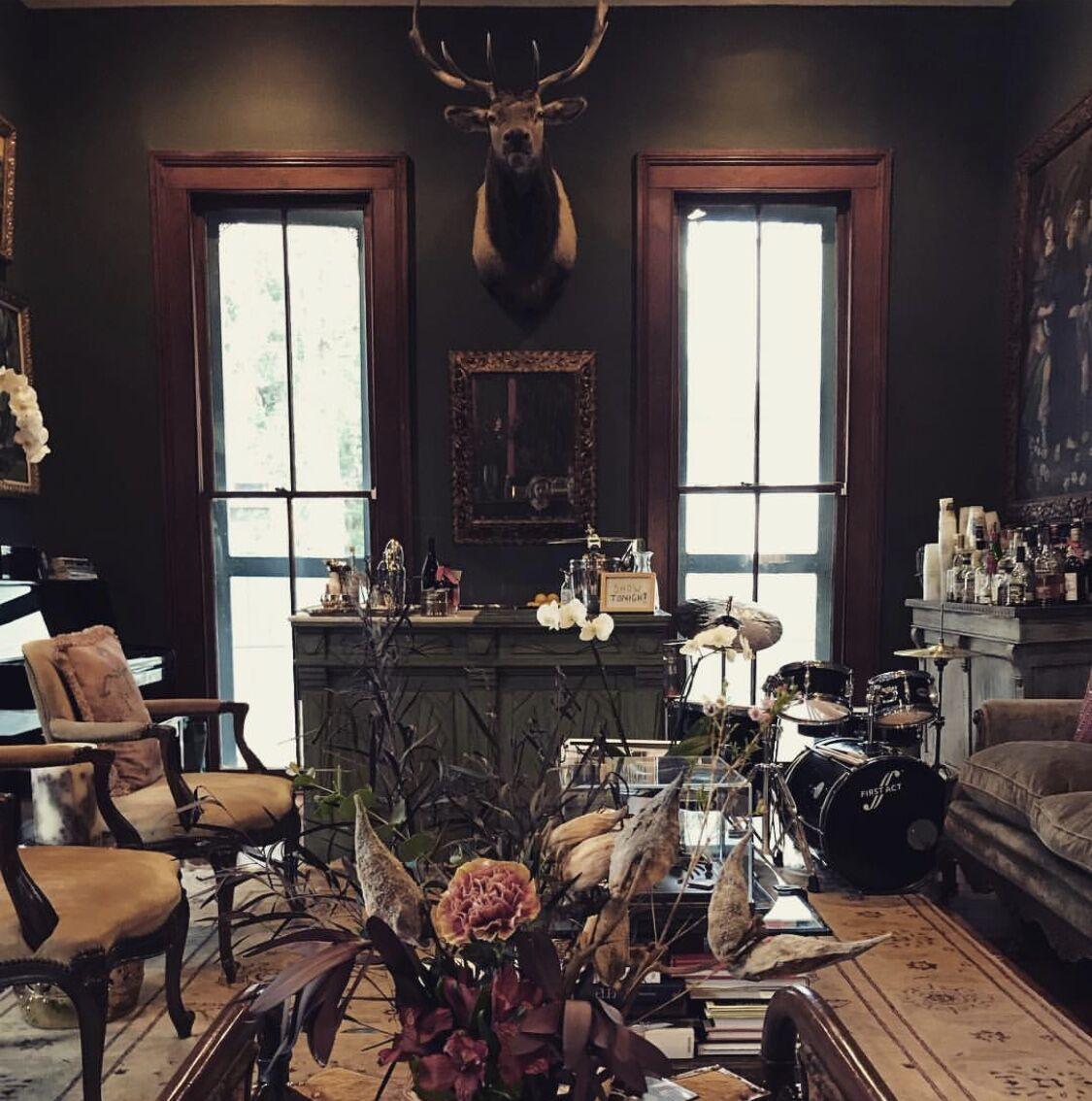 Pulitzer living room