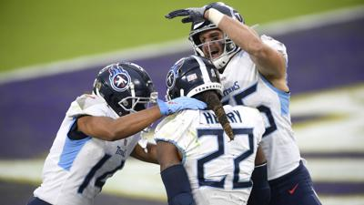 Derrick Henry and Titans favorites in AFC South