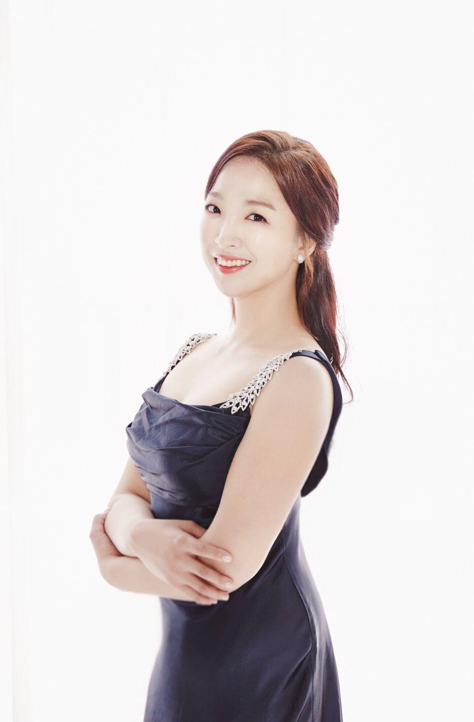 hyun ji you photo (1).jpg