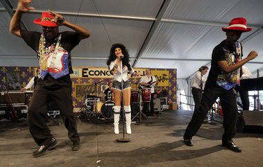 New Orleans Jazz Fest: Chris Owens shakes up some nutty fun