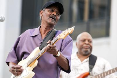 Louisiana musician Paul 'Lil Buck' Sinegal has died: report